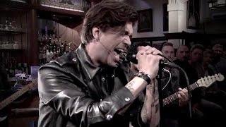 Waylon rockt er op los in RTL Late Night - RTL LATE NIGHT