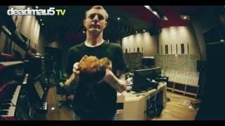 deadmau5 and eric the chicken