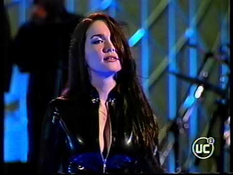Natalia Oreiro . Concierto Festival De Viña Del Mar 2002 - Chile - Completo