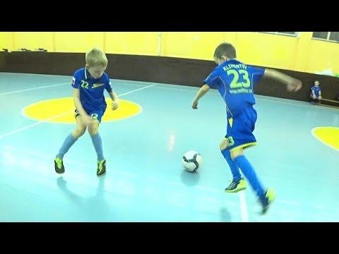 Футбол - 1 на 1 = младшие (ПЕРВЫЕ ПОБЕДЫ: Тимур-№2 & Кирилл-№23 - ВИДЕО ДЛЯ РОДИТЕЛЕЙ)