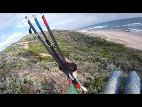 Flying the 18 m2 Little Cloud at Portsea, Melbourne
