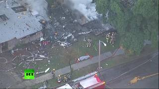 Легкомоторный самолёт упал на жилые дома в Калифорнии