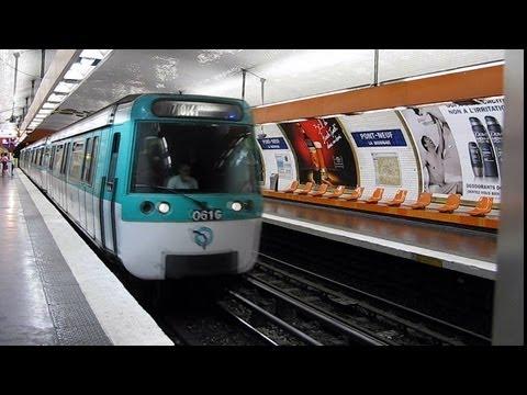Paris Metro - Line 7 - MF 77 - Pont-Neuf