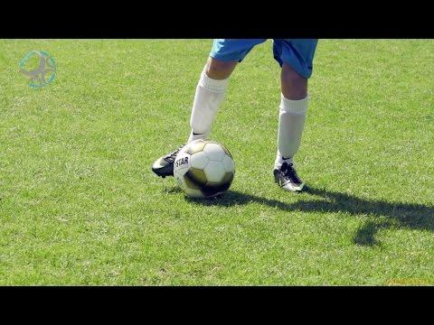 Passeren Met Weinig Ruimte Als Zlatan Ibrahimovic   Voetbalomgeving
