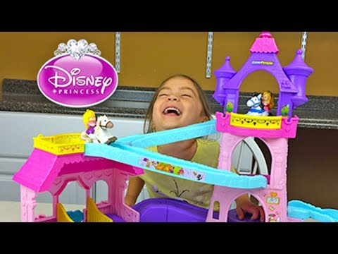 Super Cute Disney Princess Aurora & Rapunzel Klip Klop Princess Stable Toy Review Opening Unboxing