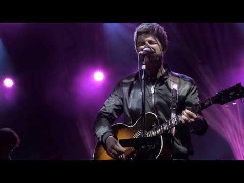 Noel Gallagher's High Flying Birds // Champagne Supernova // Kendal Calling 2016