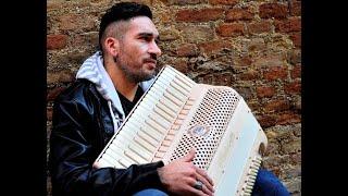 Carmine ioanna plays mod, jazz wood by ottavianelli accordionsfacebook: http://www.facebook.com/ottavianelliaccordionsofficial/https://www.facebook.com/ioann...