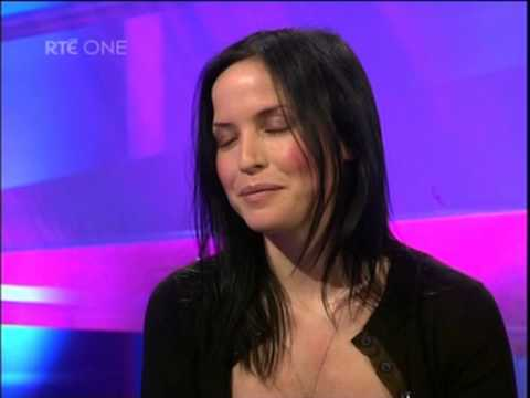 The Corrs- Andrea Interview (about being nominated for most attractive woman in britain)