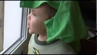 За победу!За Горловку!За Донецк! импровизация ребенка(Пишет мама этого мальчика из Горловки(Новороссия)