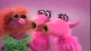 muppet show mahna mahna  song!!!!