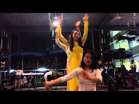 JCUS Global Village – Vietnamese Dance