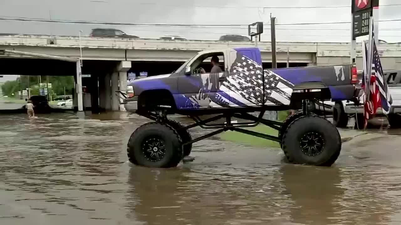 Used Trucks Houston >> A Houston man used a Monster truck to help him navigate flood waters and rescue stranded drivers ...