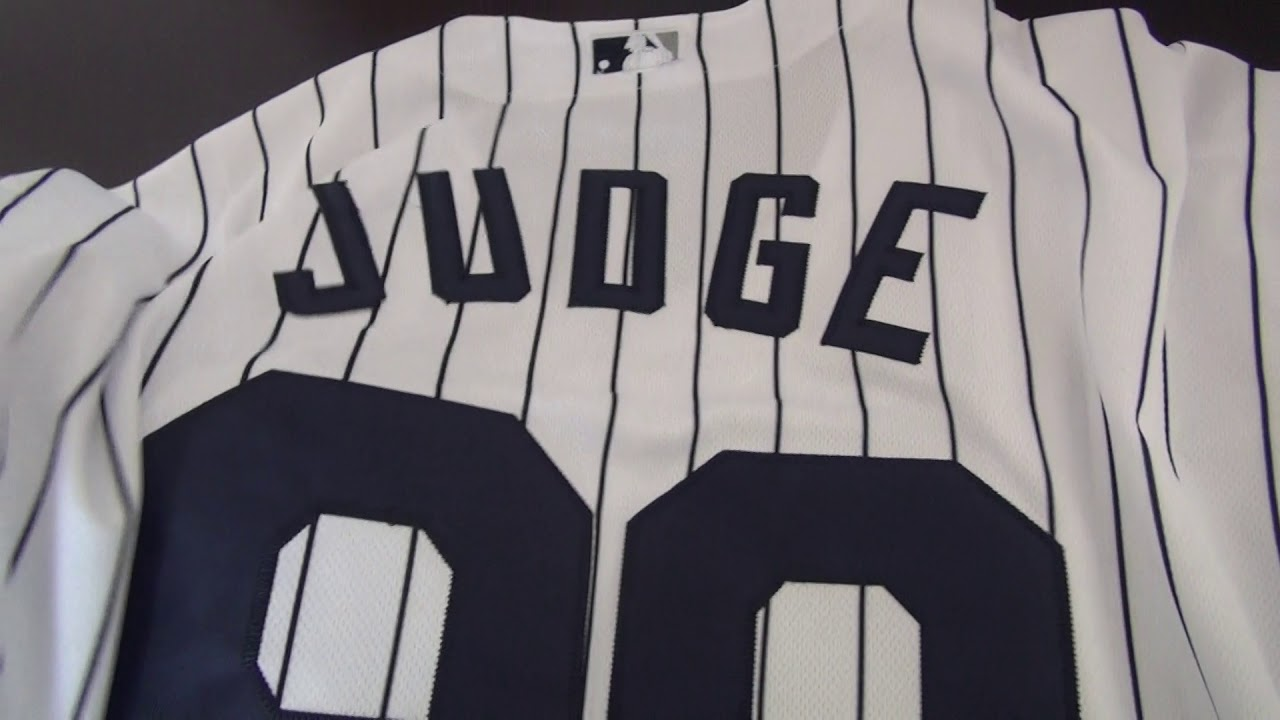 49613cd2c17 Men s New York Yankees Aaron Judge Majestic Home White Flex Base Player  Jersey