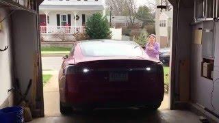 Tesla V 7.1.2.9.154 software - Auto parking inside a narrow garage