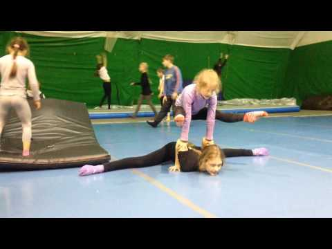 Hand to hand acro Katie and Fro 12 and 7 y.o.