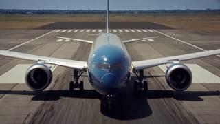 MÁY BAY HIỆN ĐẠI NHẤT CỦA VIETNAM AIRLINES TẠI CÁC BIỂU TƯỢNG NỔI TIẾNG