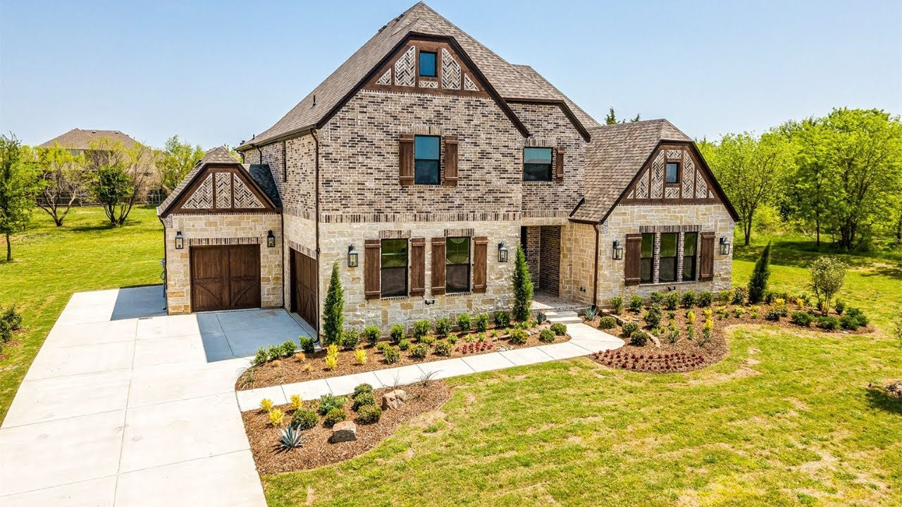 Gated 5,000 SF on 1+ Acres, Near Lake Lewisville, 5-Bed, 5.5-Bath, 3-Car, Dallas Home For Sale $880K