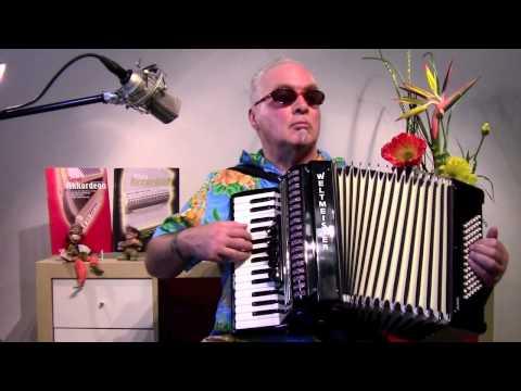 Amore Mio – das ist super: mit solchen Stücken kannst du Akkordeon selber lernen (07) from YouTube · Duration:  56 seconds
