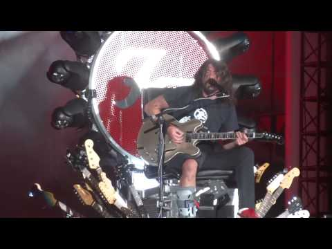 FOO FIGHTERS : Everlong Into Monkey Wrench : {1080p HD} : Wrigley Field : Chicago, IL : 8/29/2015