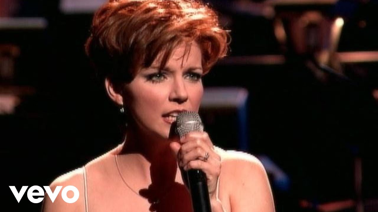 Martina McBride - White Christmas - YouTube