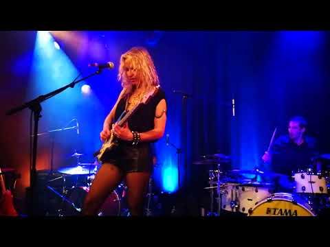 Ana Popovic play Jimmy Hendrix