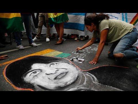 الرئيس البوليفي المستقيل يلجأ إلى المكسيك وتخوفات من فلتان أمني في البلاد…  - نشر قبل 2 ساعة