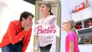 Kid Pretend Play • Athena transformation Barbie doll IRL - Studio Bubble Tea Video