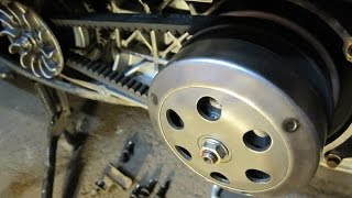 Как работает вариатор и сцепление (торкдрайвер) на скутере Honda(Как работает вариатор и сцепление (торкдрайвер) на скутере - трансмиссия Honda How does the variator and clutch (torkdrayver) on..., 2015-05-27T18:16:55.000Z)