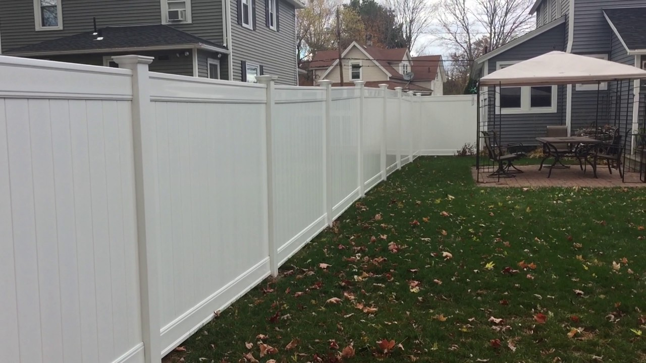 Freedom Fence Lowes >> Lowes Vinyl Fence Review Freedom 6 Youtube