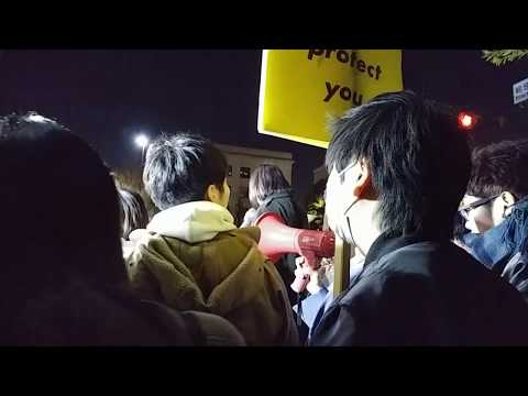 Prime Minister Abe altered the official document. 5000 people protested to the official residence
