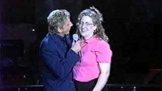 Video Amy and Barry Manilow I can't smile without you download MP3, 3GP, MP4, WEBM, AVI, FLV Maret 2017