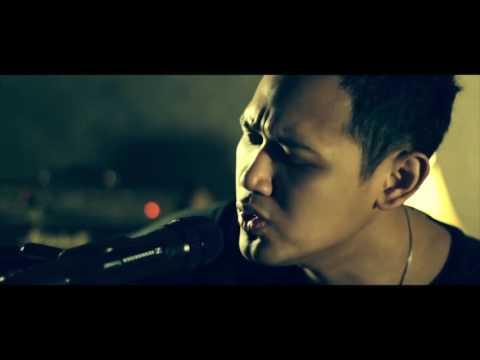 Bondan Prakoso feat  Kikan   I Will Survive acoustic version 1