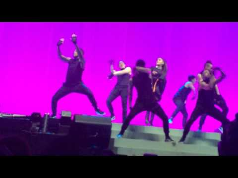 Ariana Grande Bad Decisions Chicago 3-14-17