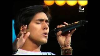 Jefferson Tadeo canta