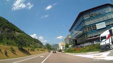 I: Brixen. Bressanone. Trentino-Südtirol. Fahrt durch die Stadt. Juni 2017