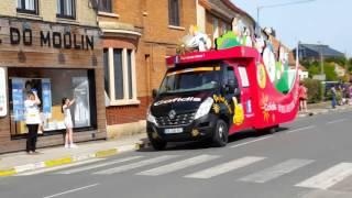 4 jours de Dunkerque 2016: la caravane publicitaire à Watten