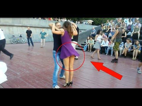 Mabuk I Wanita ini menari depan umum tanpa memakai cd