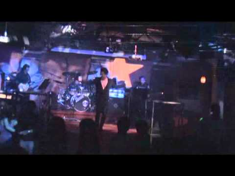 "Van Quang Long ""LK Dem Mau Hong"" @ V3 Club, Virginia - 5/21/2011"