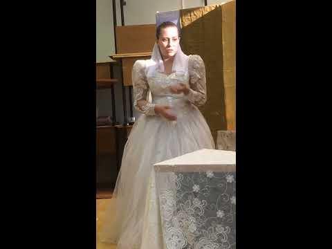 Изображение предпросмотра прочтения – ЕкатеринаКалашникова читает отрывок изпроизведения «Женитьба» Н.В.Гоголя