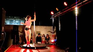 Cyd Sailor pole dance @ Burlesque Fiction #1 Bordeaux
