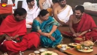 CM KCR Couple Ayutha Chandi Yagam || Performs Ganpathi Pooja - Watch Exclusive