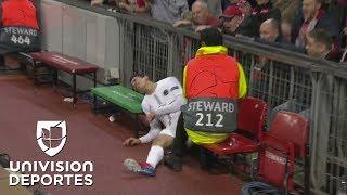 Solo verlo duele: Di María casi se fractura en este tremendo golpazo tras chocar con Young