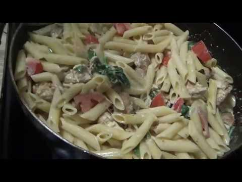 HOW TO MAKE CHICKEN SPINACH PASTA WITH TOMATOES IN GARLIC CREAM SAUCE