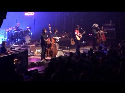 """Avett Brothers """"Salvation Song"""" Chicago Theatre, Chicago,IL 11.11.17 Night 3"""