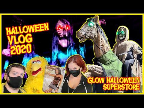 Superstore Halloween 2020 HALLOWEEN VLOG (2020)! Glow Halloween Superstore Hunt