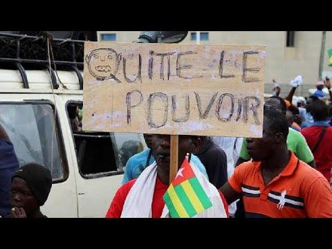 Togo : nouvelle journée de mobilisation entre barricades et tirs de gaz lacrymogènes