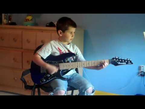 Guitar For 5 Year Old : amazing 5 year old guitar player youtube ~ Russianpoet.info Haus und Dekorationen
