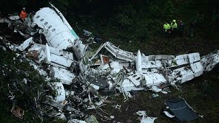 Colombia: Plane carrying football players from Brazil crashes near Medellin