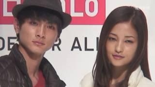 女優の黒木メイサさんと俳優の高良健吾さんがユニクロと東レの共同開発...