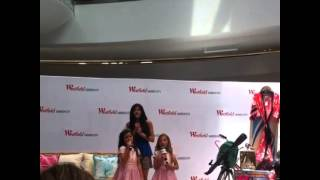 Sophia Grace and Rosie singing Jingle Bells